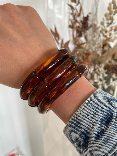 The Sutton Solid Acrylic Bracelet in Tortoise