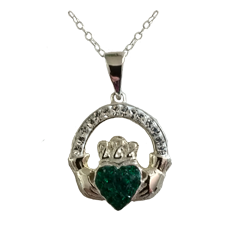 Cladder Pendant with Stones