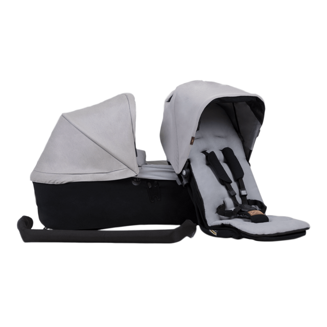 Mountain Buggy duet as a single family pack in colour silver_silver
