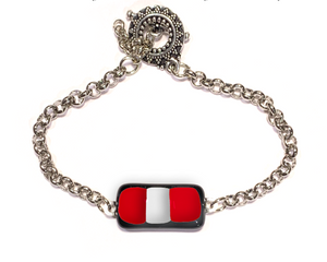 Bracelet with bar shape center and Canada colors for women