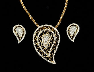 Diamond Pendant Set With Earring 18 Karat