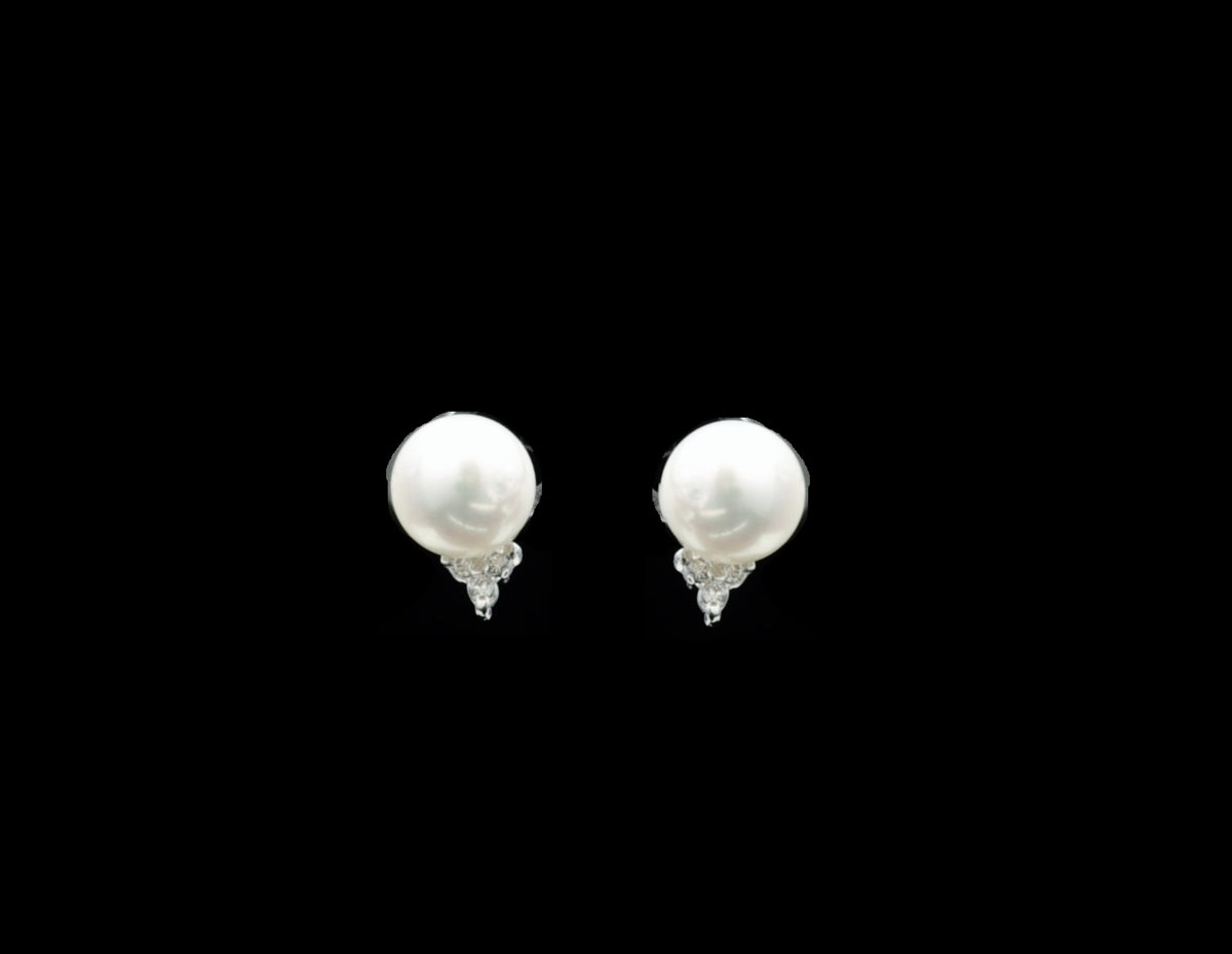 Diamond Earring 18 Karat With Pearl