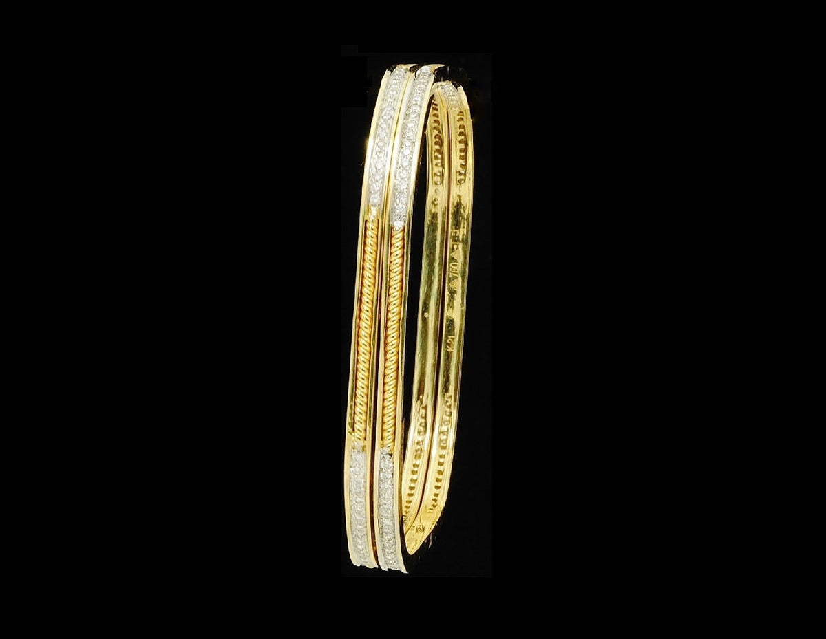 Diamond Bangle 18 Karat Yellow Gold