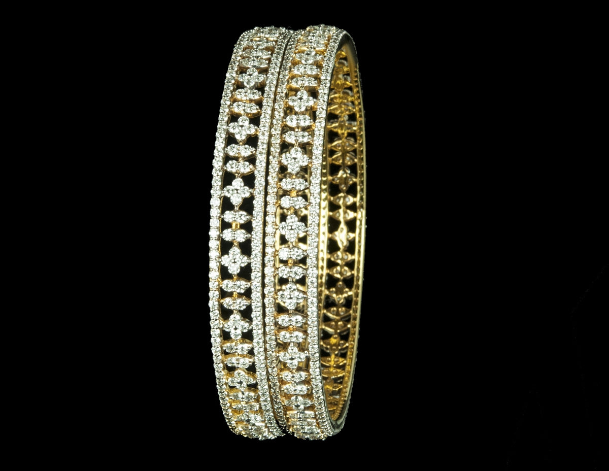 Diamond Bangle 18 Karat