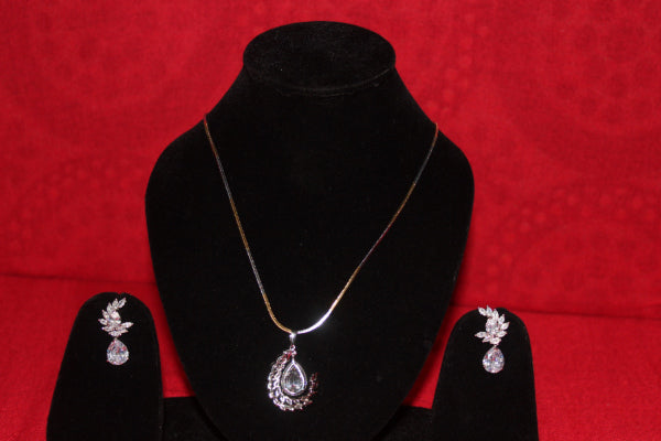 ZAI Fashion - STYLE PENDANT SET IN AD