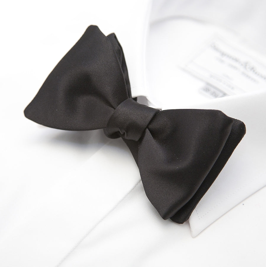 Self Tie Bow Tie in Black