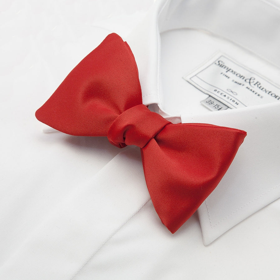 Self Tie Bow Tie in Red
