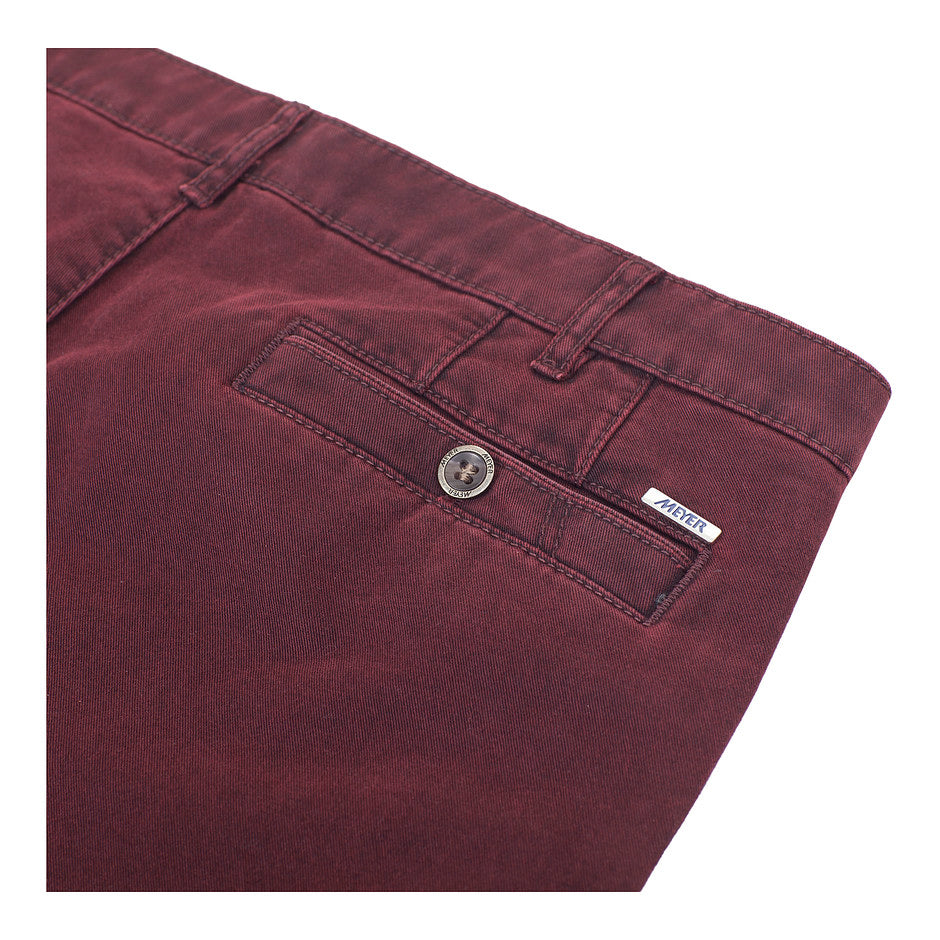 New York Double Dyed Chino for Men in Burgundy
