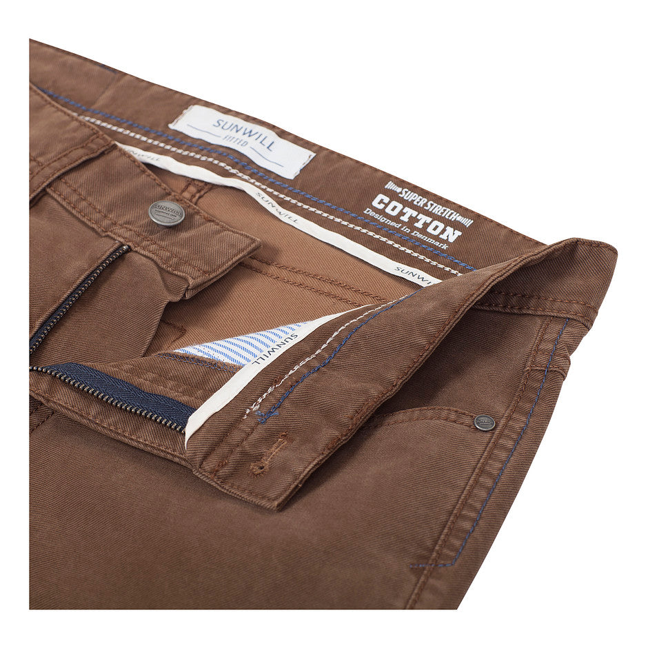 Super Stretch Fitted Jeans for Men in Tan