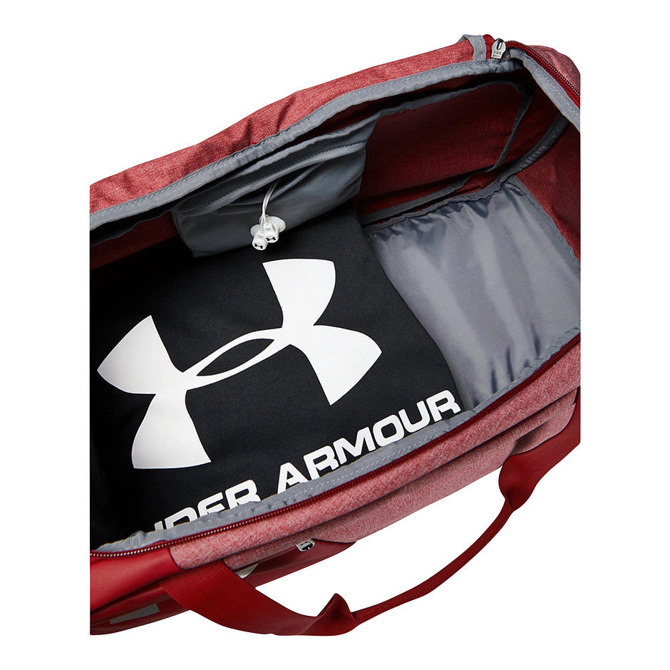 Undeniable Duffle 4.0 Medium Sports Bag in Deep Red
