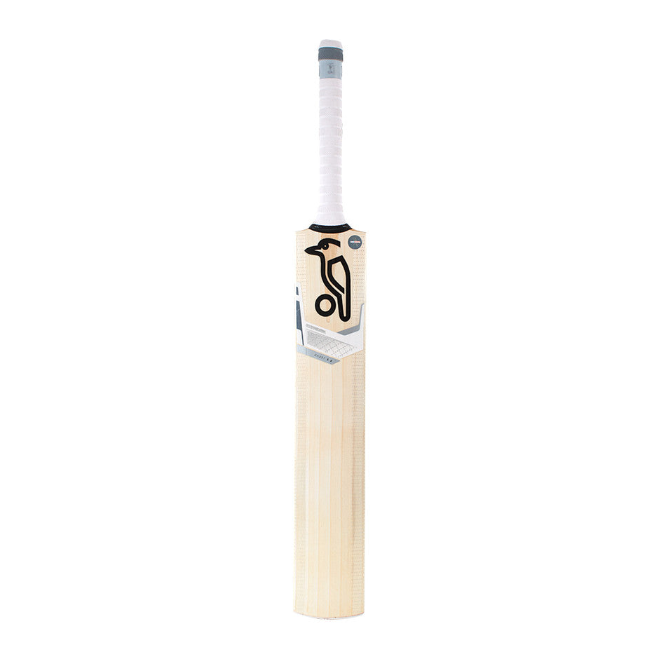 Ghost 5.2 Bat for Kids in Sand