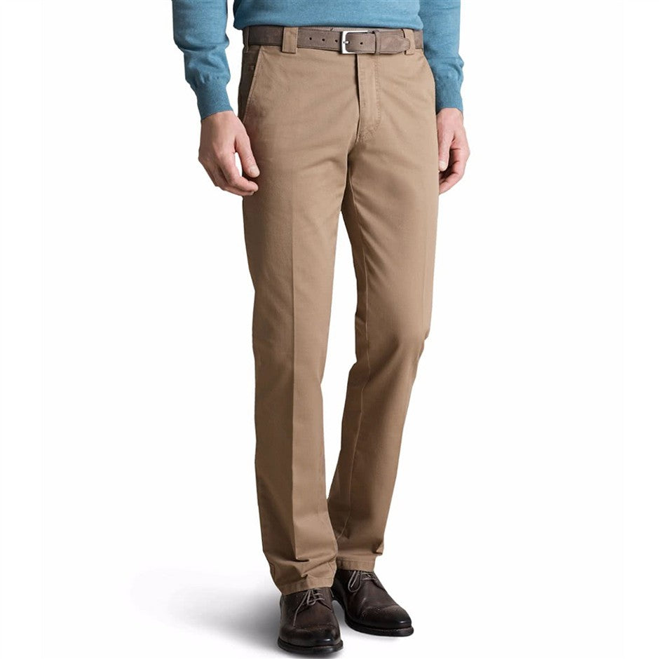 Roma Chinos for Men in Brown