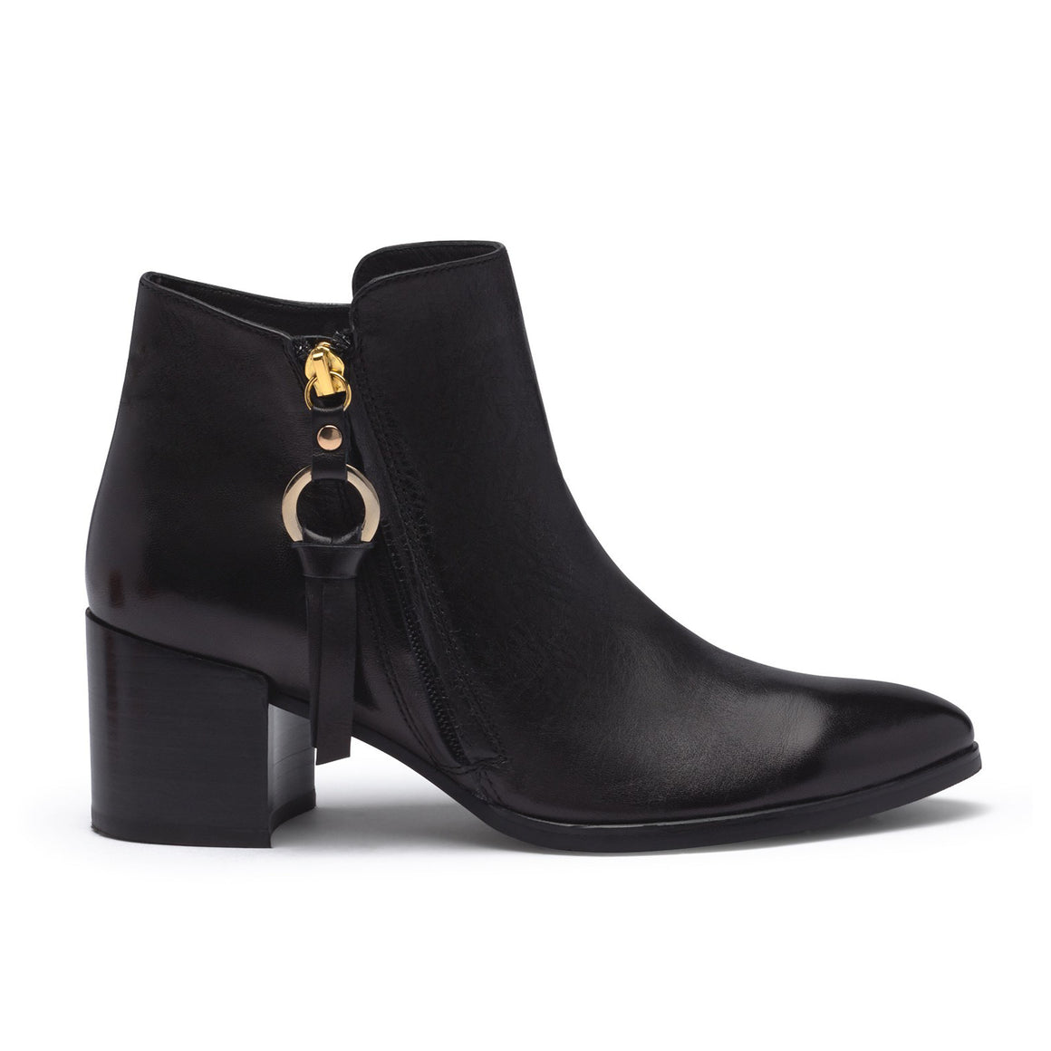 Taylor 01 for Women in Black