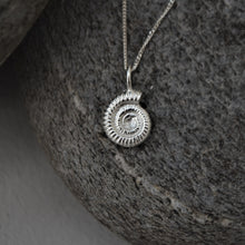 Load image into Gallery viewer, Silver Ammonite Shell Necklace