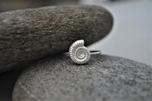 Load image into Gallery viewer, Silver Ammonite Shell Ring
