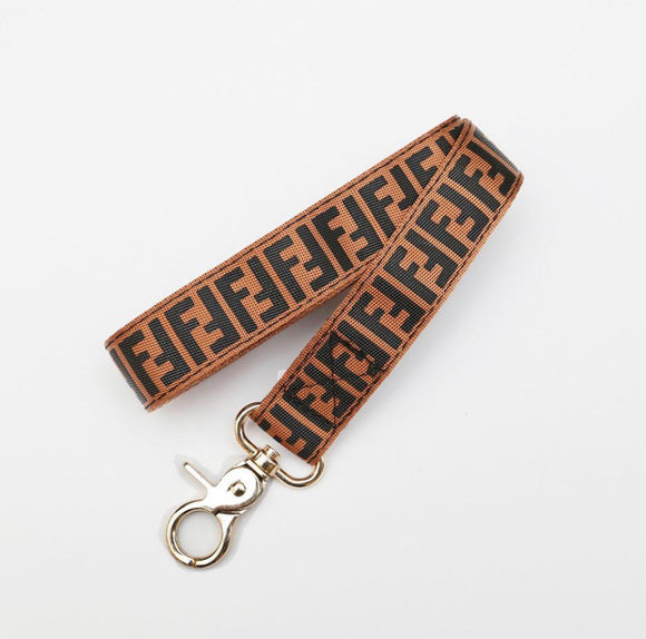 PENDI LEASH (BROWN)