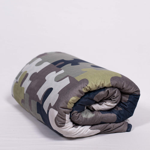 Weighted Blanket in Puzzle Camo