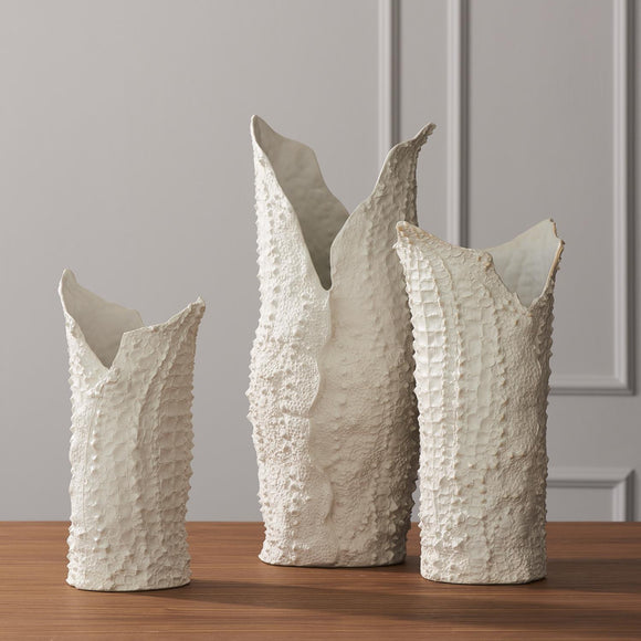 Crocodile Vase-Matte White, Medium