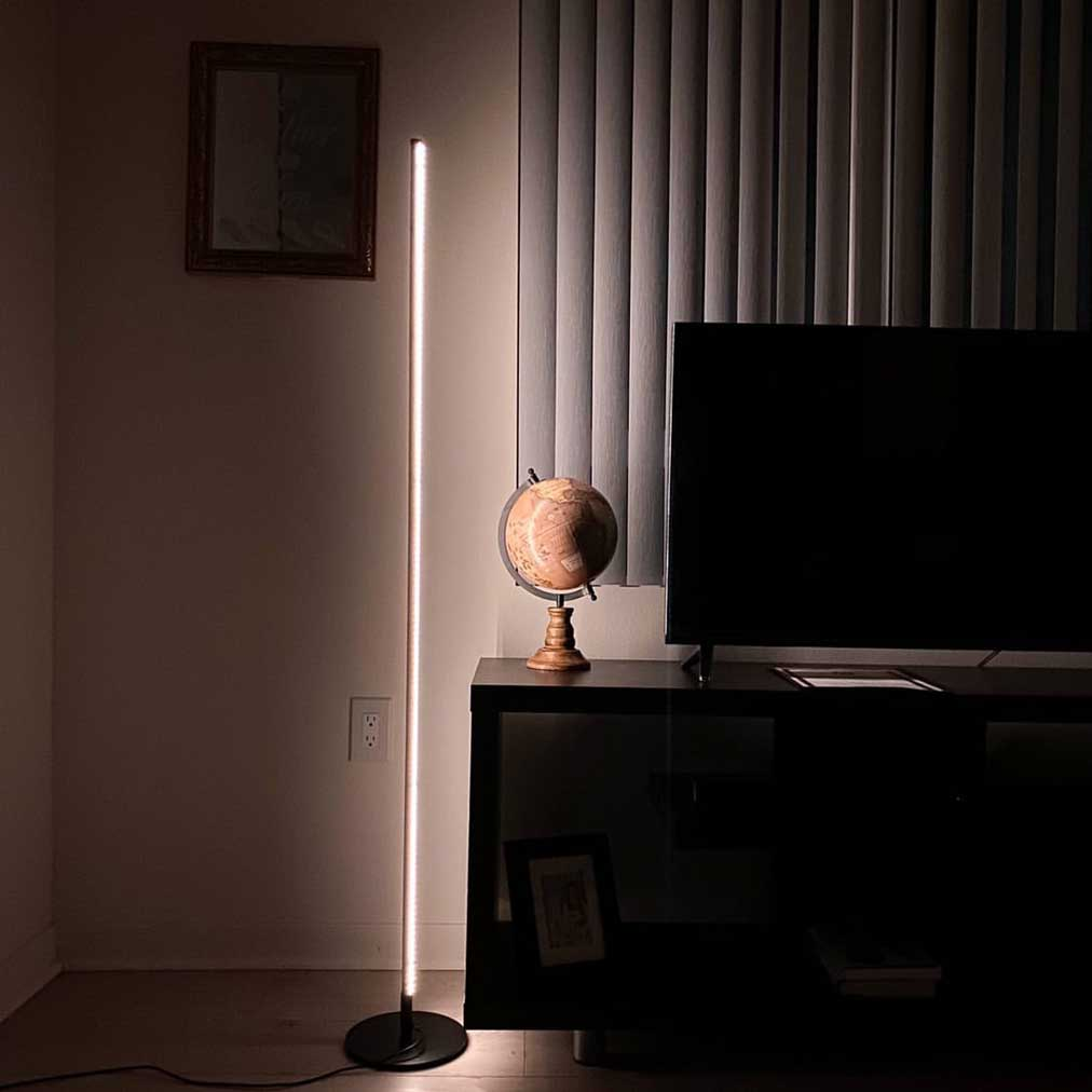 Minimal Floor Lamp - Dimmable
