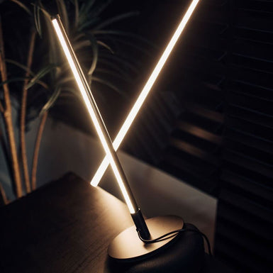 Minimal Lighting LED Table Lamp