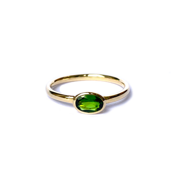 14k yellow gold ring set with a Chrome Diopside