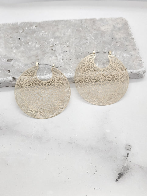 PATTERNED ROUND HOOP EARRINGS