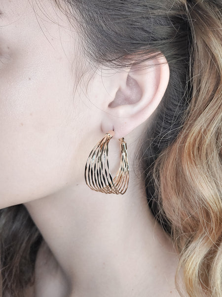 MULTI LINES HOOP EARRINGS