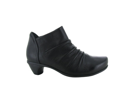ADVANCE BLACK BOOT