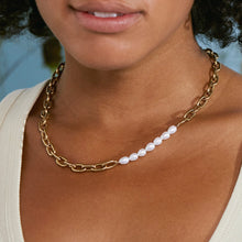 Load image into Gallery viewer, TRELLIS PEARL NECKLACE GOLD