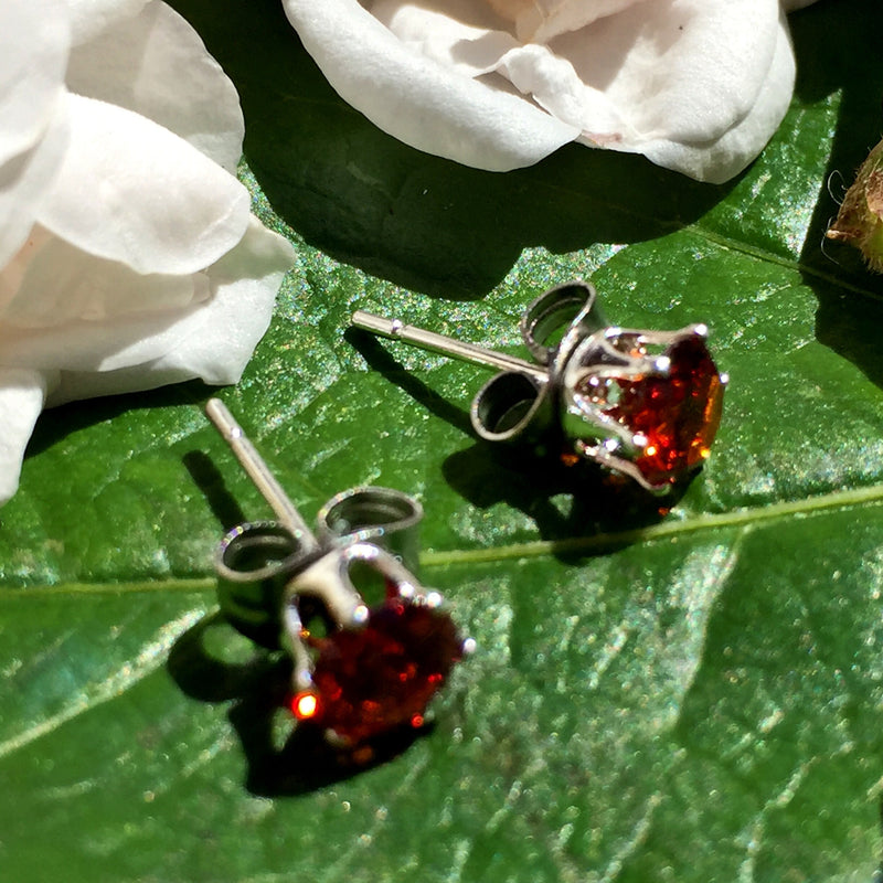 5mm Silver Plated CZ Studs White, Red, Yellow, Purple, Black, Pink - bigigloo.co.uk  - 2