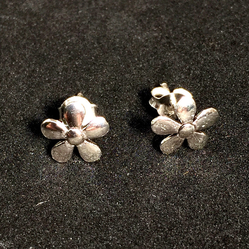 Cute Flower Solid 925 Studs - bigigloo.co.uk  - 1