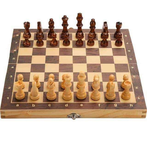 Large Magnetic Wooden Folding Chess Set | CampusNote.com