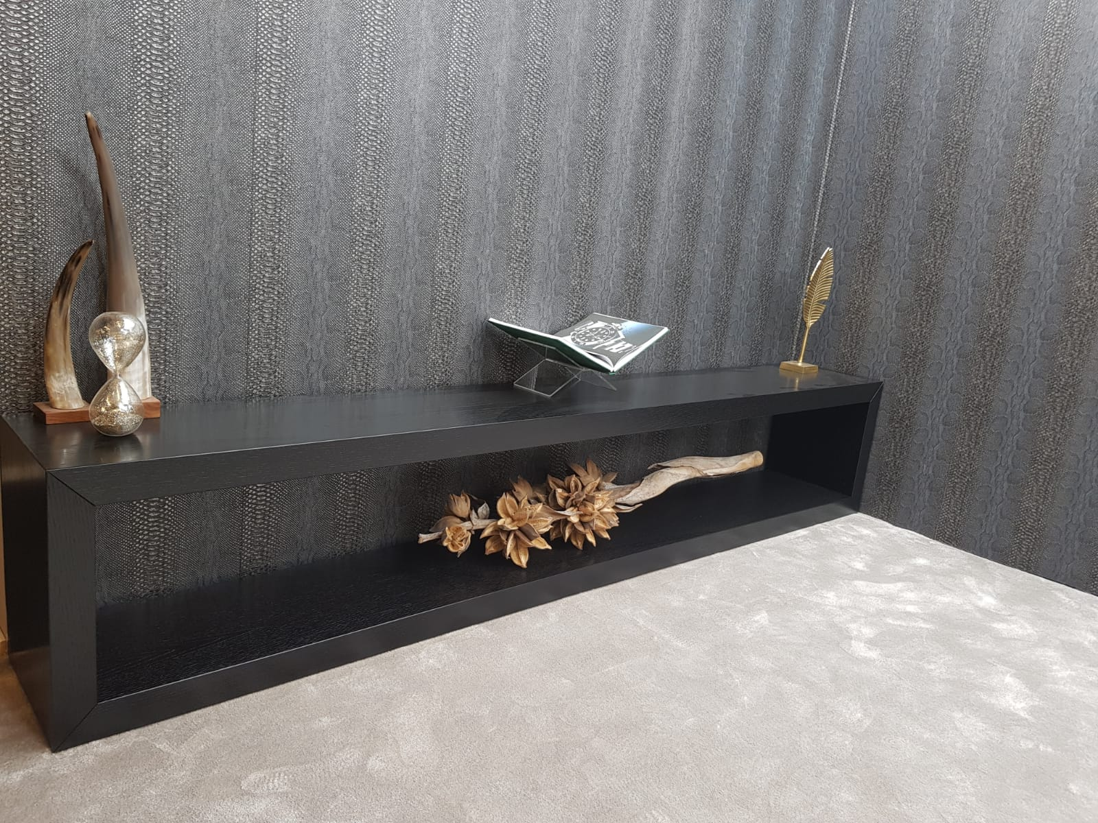 Console / Sidetable