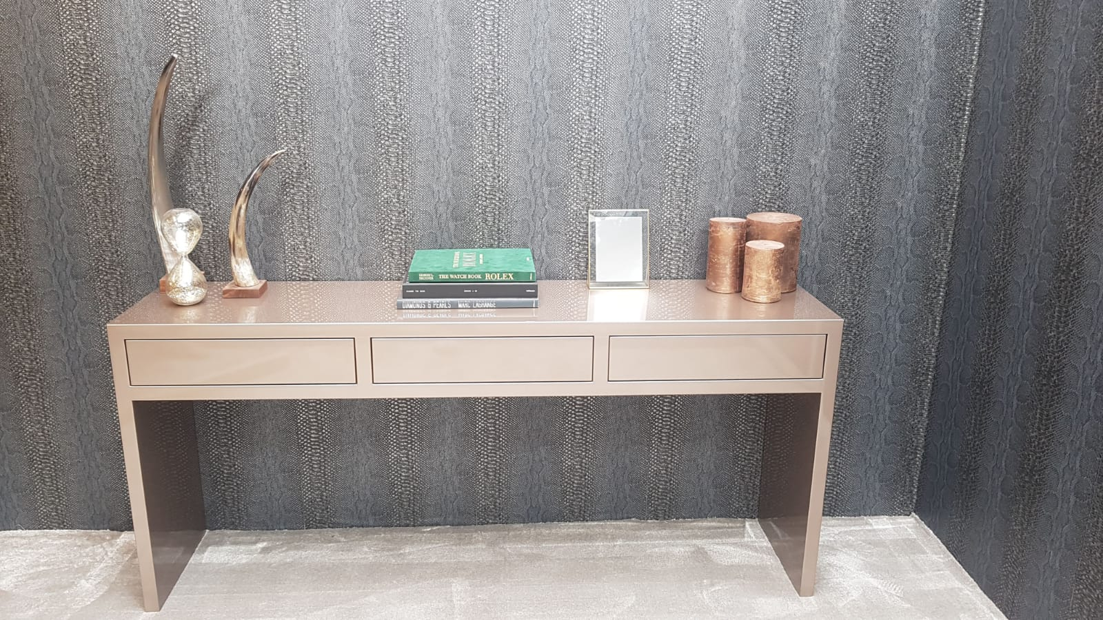Console met pushlades