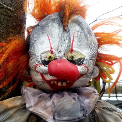 One of a kind Pennywise doll now up for auction!