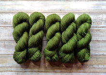 Load image into Gallery viewer, Avocado - Bfl Fingering 2-Ply (Nonsuperwash)