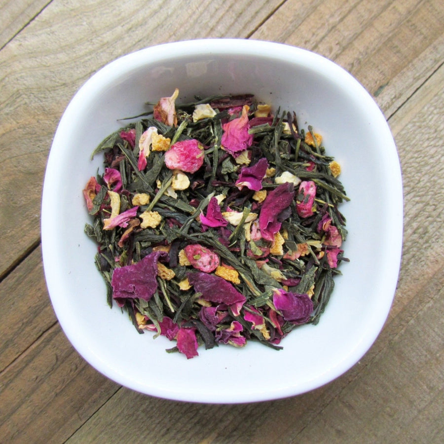 Pomegranate Citrus Green Tea with Hibiscus and Organic Pomegranate Arils