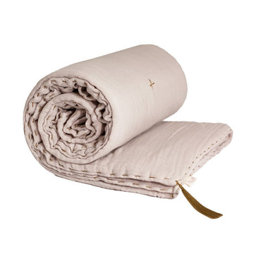 Poeme Lifestyle sells organic cotton winter blanket for adults' bedroom decor  by Numero 74 online in Australia. Available in many earthy colors.