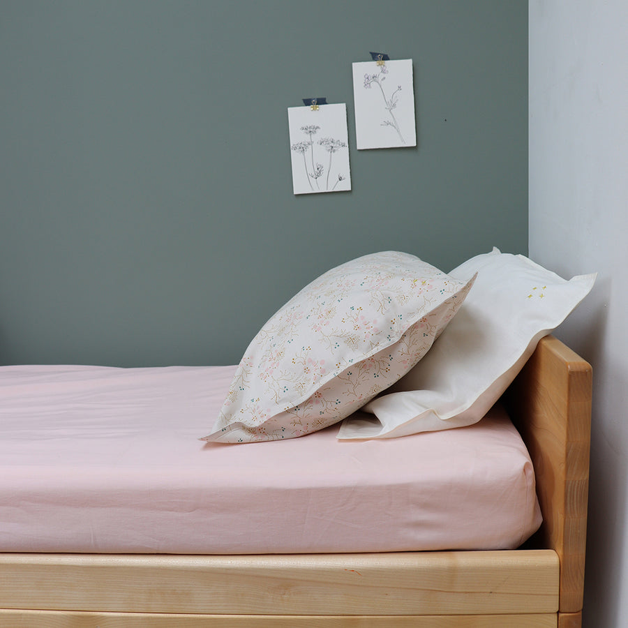 Single Cotton Fitted Sheet, Pink | Camomile London - Poeme Lifestyle
