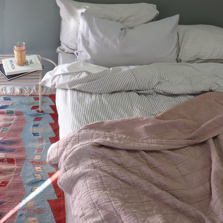 Single Diamond Blanket - Dusty Pink