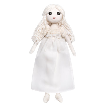 Poeme Lifestyle sells organic cotton Stella moon doll for kids to play dolls  by Numero 74 online. Available in many earthy colors.