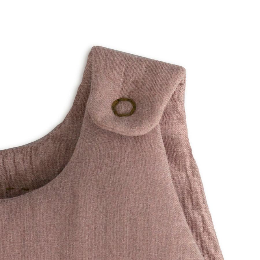 Poeme Lifestyle sells organic cotton winter sleeping bag for babies  by Numero 74 online in Australia. Available in many earthy colors.