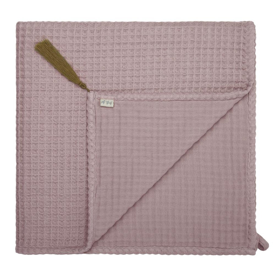 Poeme Lifestyle sells organic cotton small bath towels by Numero 74 online in Australia. Available in many earthy colours.