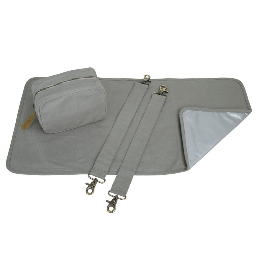 Poeme Lifestyle sells 100% organic cotton canvas baby kit bag by Numero 74 online in Australia as a babies' essential. Available in a range of earthy colors.