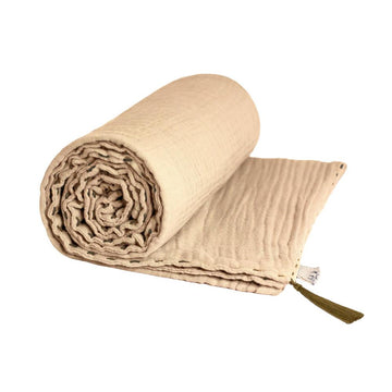 Poeme Lifestyle sells organic cotton summer blanket for adults by Numero 74. Available in many earthy colors.