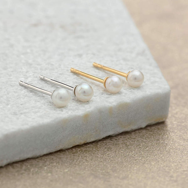 Freshwater Pearl Stud Earrings - Scream Pretty