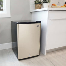 Load image into Gallery viewer, Whynter 2.1 cu.ft Energy Star Upright Freezer with Lock in Rose Gold