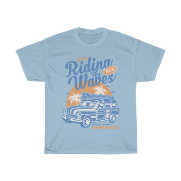 Riding the waves - ShirtShopEurope