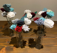 Load image into Gallery viewer, Warm Reds Mini Felt Flower Posy - P003