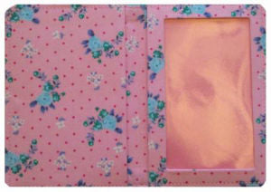 Pink_Flowers_Print_Passport_Wallet